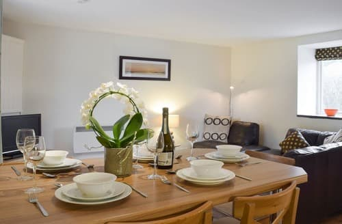 Last Minute Cottages - Madog - UK10310