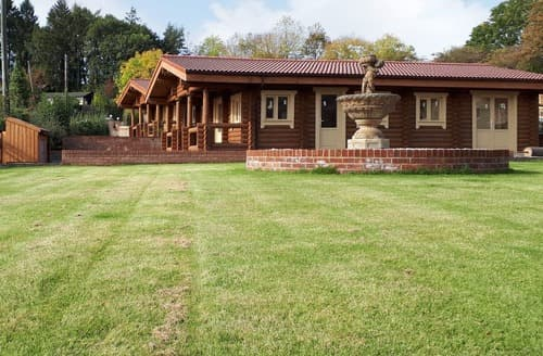 Last Minute Cottages - Hadrian Lodge - UK10383
