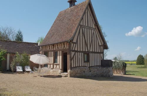 Last Minute Cottages - La Grande Touche - 257
