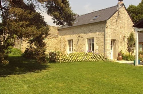 Last Minute Cottages - Le Potager de Radegonde - G128