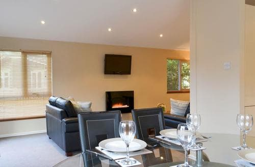 Last Minute Cottages - Superb Windermere And Troutbeck Bridge Lodge S89510