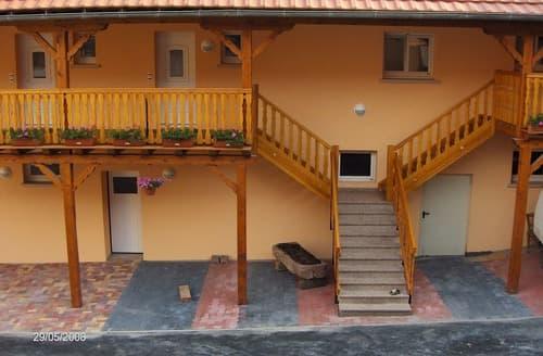 Last Minute Cottages - Le Balcon - 1785