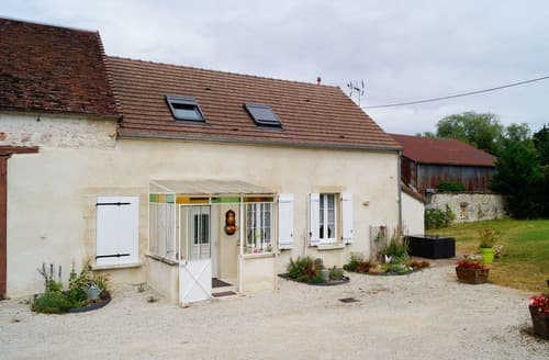 Last Minute Cottages - Chez la Francine - G157
