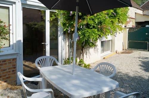 Last Minute Cottages - Chez Cécile - G196