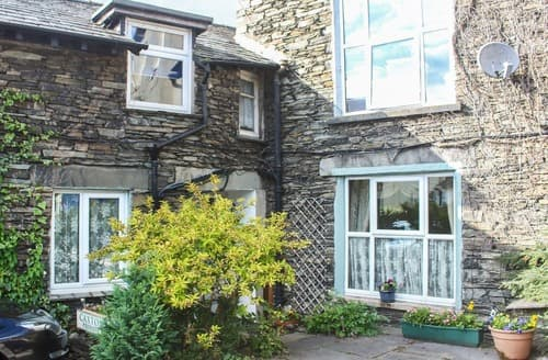 Dog Friendly Cottages - Adorable Windermere And Troutbeck Bridge Apartment S121927