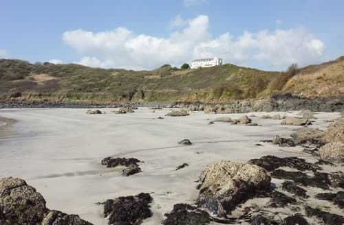 Last Minute Cottages - Splendid Helston And The Lizard Peninsula Cottage S25026