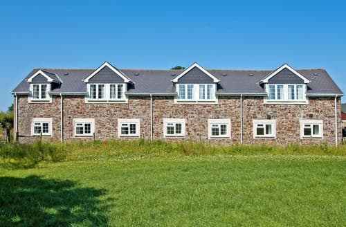 Last Minute Cottages - Hawfinch Apartment -B6134