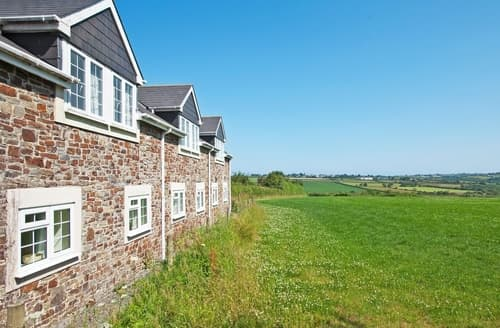 Last Minute Cottages - Captivating Bideford Apartment S18930