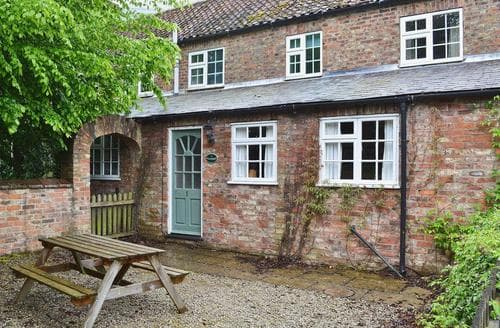 Dog Friendly Cottages - No. 1 Fawkes