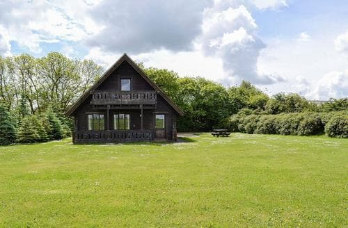 Last Minute Cottages - Wessex Lodge