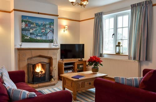 Last Minute Cottages - Excellent Lyme Regis Cottage S19820