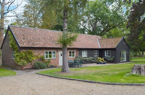 Last Minute Cottages - The Foundary - BER