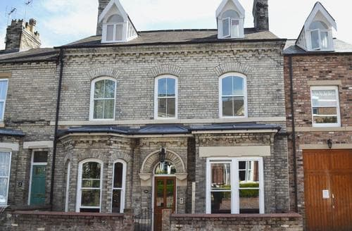 Last Minute Cottages - Luxury York Apartment S70336