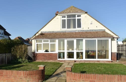 Last Minute Cottages - Cosy Clacton On Sea Cottage S129227