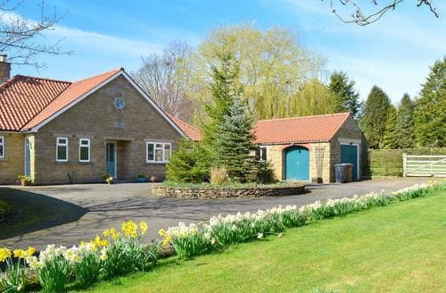 Last Minute Cottages - Exquisite Pickering Cottage S75655
