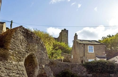 Dog Friendly Cottages - Castle Cottage