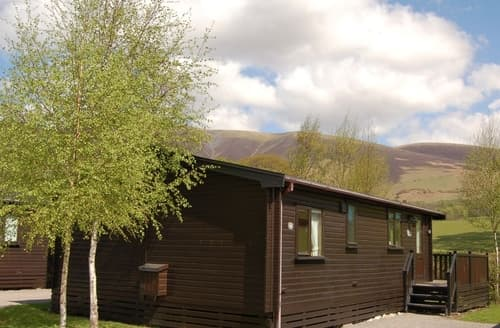 Last Minute Cottages - Beautiful Keswick Lodge S84541