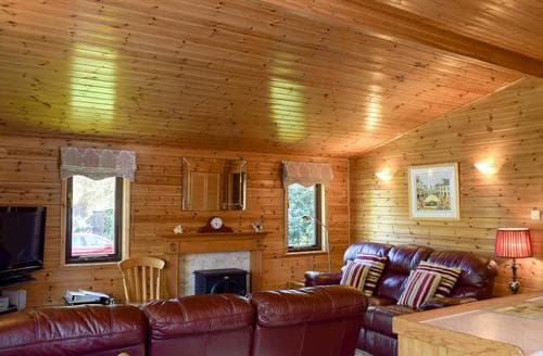 Last Minute Cottages - Tasteful Keswick Lodge S84549