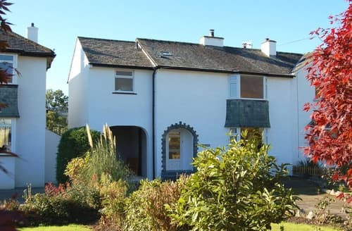 Last Minute Cottages - Brandlehow at High Hill