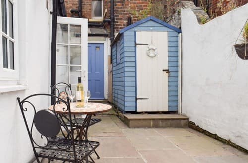 Dog Friendly Cottages - Little Treasure - UK2542