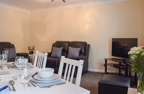 Last Minute Cottages - Quaint Saltburn By The Sea Apartment S113576