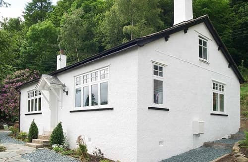 Last Minute Cottages - Woodside Cottage