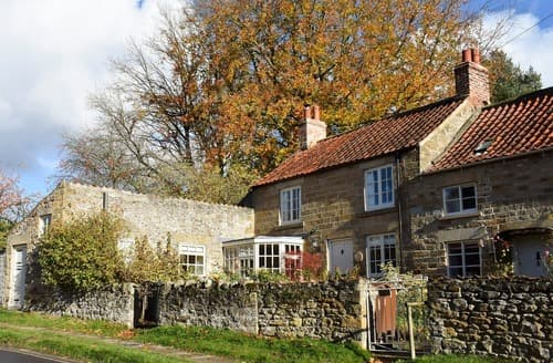Last Minute Cottages - Lovely Kirkbymoorside Cottage S124103