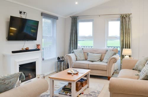 Last Minute Cottages - Inviting Flamborough Lodge S127053