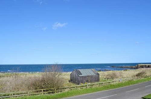 Last Minute Cottages - Tasteful Beadnell Apartment S49806