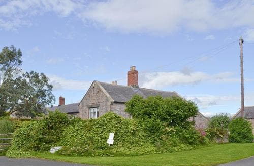 Last Minute Cottages - Attractive Beadnell Cottage S61016
