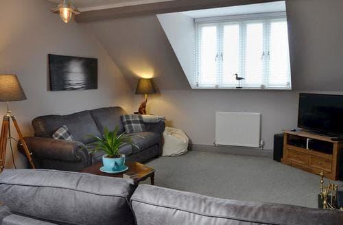 Last Minute Cottages - Gorgeous Alnmouth Apartment S80379