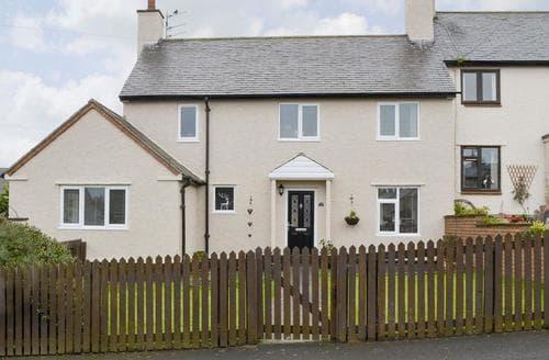 Last Minute Cottages - Tasteful Craster Cottage S86355