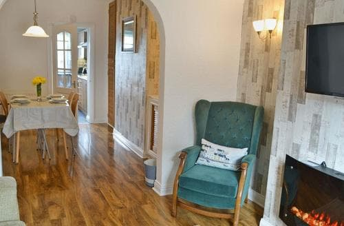 Last Minute Cottages - Harbour Walk
