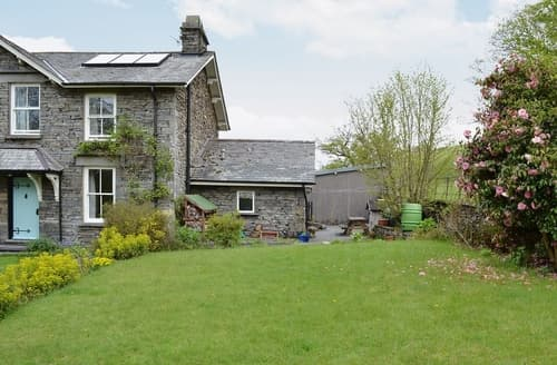 Last Minute Cottages - Cosy Hawkshead, Near And Far Sawrey Cottage S27067