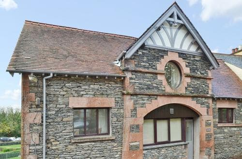 Last Minute Cottages - Inviting Bowness On Windermere Apartment S43430