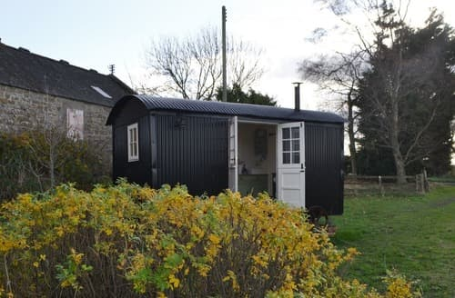 Last Minute Cottages - Lavender Shepherd Hut