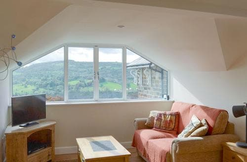 Last Minute Cottages - Lovely Matlock Apartment S86384