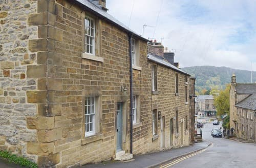 Last Minute Cottages - Captivating Bakewell Cottage S125655