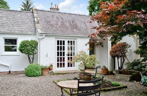 Last Minute Cottages - Roseburn Cottage