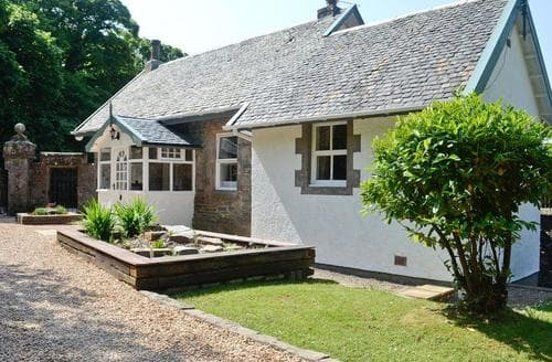 Dog Friendly Cottages - Stunning Dunoon Lodge S57593