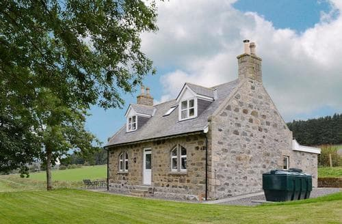 Last Minute Cottages - Gorgeous Ballater Cottage S70800