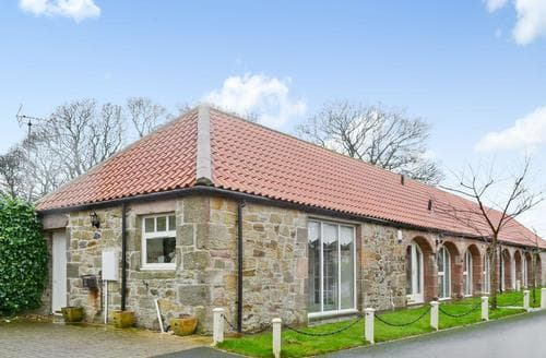 Last Minute Cottages - Attractive Beadnell Cottage S44354