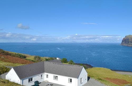Big Cottages - Adorable Portree Apartment S71499