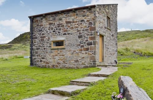 Last Minute Cottages - Hayfield View Camping Barn