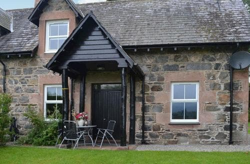 Last Minute Cottages - Inviting Beauly Lodge S42001