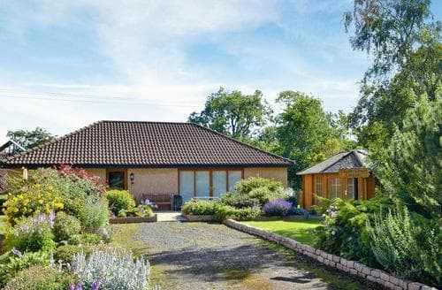 Big Cottages - Delightful Edinburgh Cottage S44284