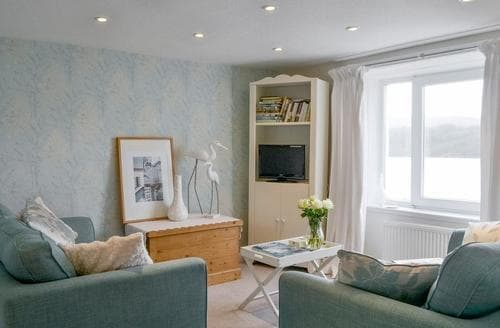 Last Minute Cottages - Lovely Sandyhills Apartment S83811