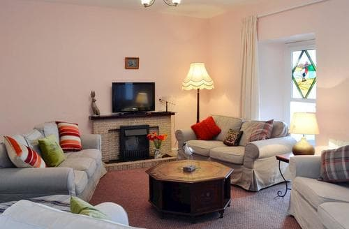 Last Minute Cottages - Caerlaverock Eastpark Farmhouse