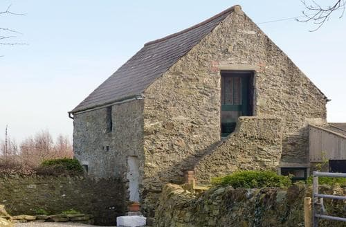 Last Minute Cottages - Attractive Holyhead And Trearddur Bay Cottage S43460