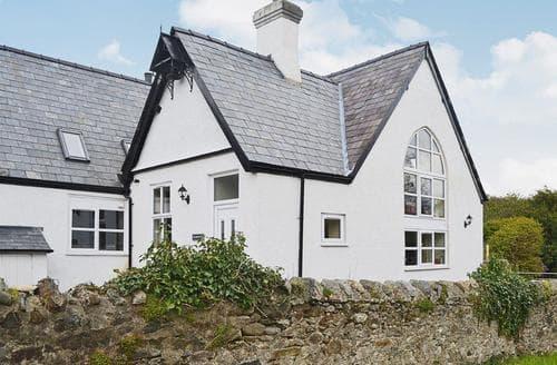 Last Minute Cottages - Wonderful Caernarfon Cottage S49758